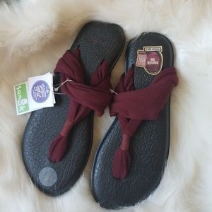 SANUK Yoga Sling 2 Burgundy Flip Flop Sandal